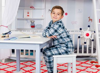 Tables and chairs for children - Child's Table - ISLE OF DOGS DESIGN WUPPERTAL