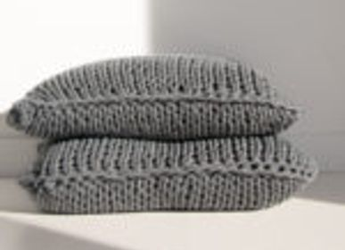 Cushions - KNIT HANDMADE DECORATIVE CUSHION  - MIKMAX BARCELONA