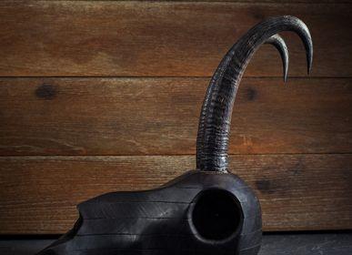 Pièces uniques - Sculptures de crâne d'animaux en bois. - ATELIER PEV