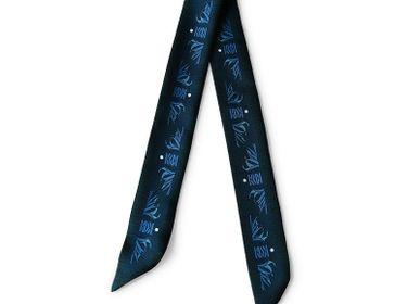 Scarves - CLASSIC BLUE KNOTTED FETISH PRINTED SILK TWILL BRACELET - MAISON FÉTICHE