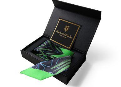 Foulards et écharpes - Fétiche à nouer 100 % twill de soie - bandeau/ruban - Palm Green - MAISON FÉTICHE