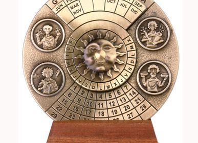 Decorative objects - Perpetual Calendar - HEMISFERIUM