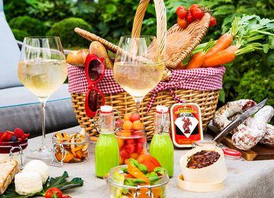 Outdoor decorative accessories - Empty baskets and suitcases  - LES JARDINS DE LA COMTESSE