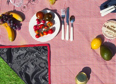 Outdoor decorative accessories - Waterproof picnic blankets - 140 cm x 140 cm - LES JARDINS DE LA COMTESSE