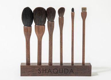 Beauty products - UBU 6 Brushes & Stand - SHAQUDA