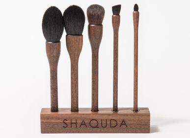 Beauty products - UBU 5 Brushes & Stand - SHAQUDA