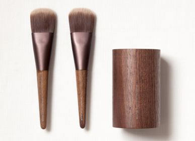 Beauty products - SUVÉ Naderu Brush & Stand - SHAQUDA