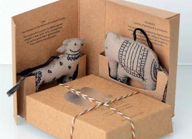 Decorative objects - Felt Ornements, Cow/Elephant - SILAIWALI