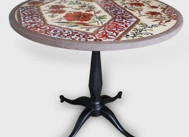 Dining Tables - Organic round tables in enamelled lava - ATELIER PÉPITE DE LAVE