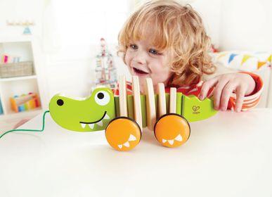 Toys - Pulling crocodile - HAPE