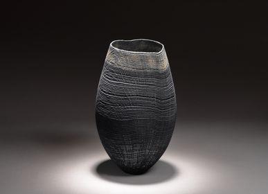Decorative objects - black vase - PASCAL OUDET
