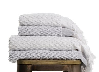 Bath towel - BATHTOWEL CLASSICAL TERRY TOWEL ZIGZAG PATTERN COTTON - LALAY