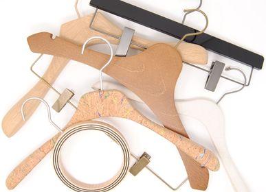 Homewear - Cintres sur mesure (bois, cuir,plexiglass, tissu, plastique bio, etc.) - MON CINTRE
