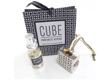 Scent diffusers - Cube or Heart for Car Perfume - AUTOUR DU PARFUM