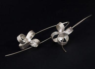 Goldsmithing - MOEBIUS earrings - CHIARA DE FILIPPIS