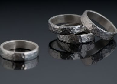 Goldsmithing - TEXTURES hammered rings - CHIARA DE FILIPPIS
