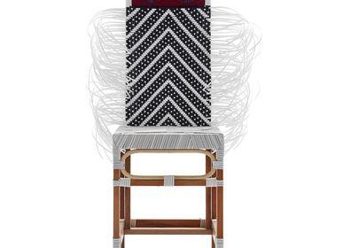 Chairs - Rojjarnar (arrow pattern, white seat, red head) - KITT.TA.KHON