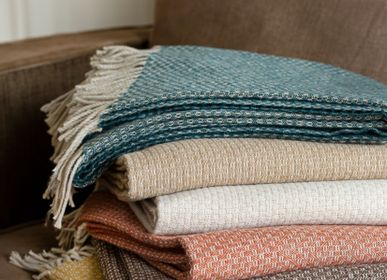 Throw blankets - PLAID & COUVERTURE VEGA - TOISON D'OR