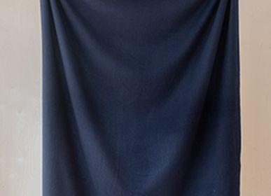 Plaids - Couverture en laine d'agneau uni marine - THE TARTAN BLANKET CO.