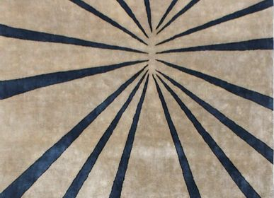 Contemporary - HYPERION HANDMADE AREA RUG on bamboo silk - KAYMANTA