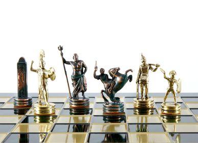Jeux - Jeu d'échecs de mythologie grecque avec échiquier vert/doré et échiquier bronze 36 x 36cm (Medium) - MANOPOULOS CHESS & BACKGAMMON