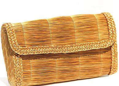 Jewelry - golden grass pouch - ACAÏ