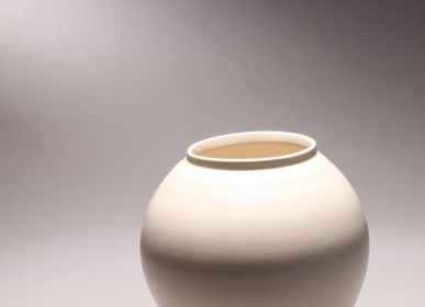 Ceramic - MARU Moon Jar - MARU