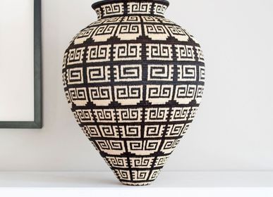 Decorative objects - Tapered Black & White Wounaan Woven Basket - RAINFOREST BASKETS
