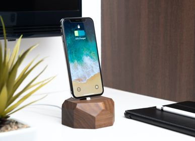 Organizer - iPhone dock - OAKYWOOD