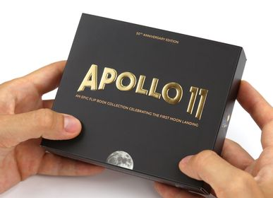 Creative Hobbies - Apollo 11 Flip Book Edition - FLIPBOKU