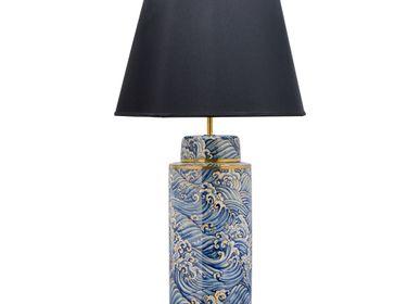 Wardrobe - Thaniya Lamp Ceramic with silk shade - THANIYA