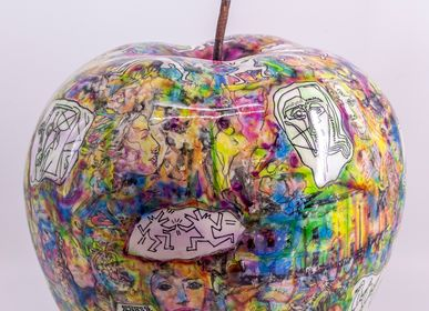 Sculpture - Painted Apple - GALERIE JACQUES OUAISS
