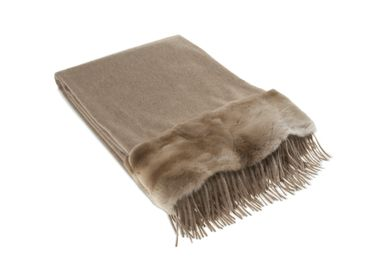 Throw blankets - plaid, 100% cashmere; rex-rabbit fur border; sand/nougat; 130x180 cm  - KATRIN LEUZE -COLLECTION-
