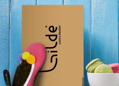 """Wardrobe - Creative handmade hangers """"Baby Shoes Macarons"""" - GILDE SCARTI E MESTIERI"""