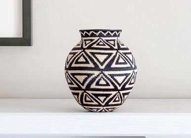 Decorative objects - Outlined Triangles Wounaan Basket - RAINFOREST BASKETS
