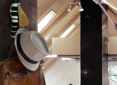 "Wardrobe - Creative handmade hangers ""Pianoforte"" - GILDE SCARTI E MESTIERI"