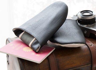 Chaussons / chaussures - B2C_POCHETTE A POCHETSE|Antibactérien et déodorant - SARASA DESIGN