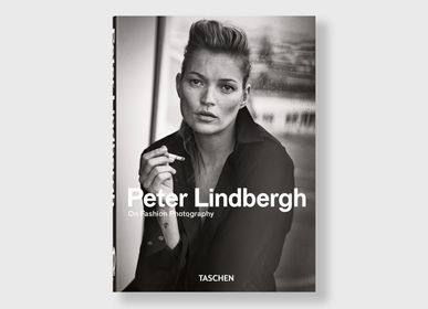 Homewear - Peter Lindbergh A Different - 40 Series | Book - NEW MAGS