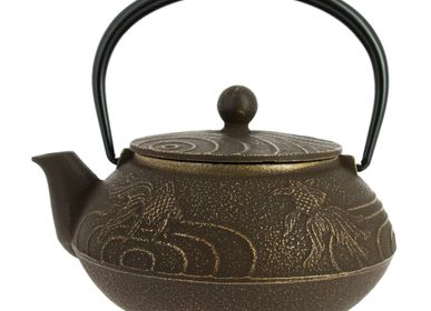 Tea and coffee accessories - Kingyo Iwachu Japanese Teapot - Cast Iron 650 ml - TIERRA ZEN