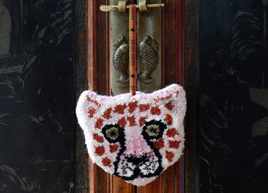 Decorative objects - Pinky Leopard Cub Hanger - DOING GOODS