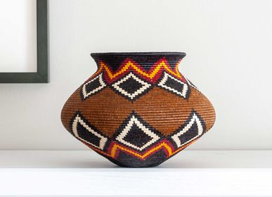 Decorative objects - Diamonds on Brown Wounaan Basket - RAINFOREST BASKETS