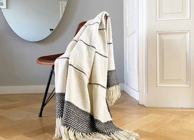 Throw blankets - Berber offwhite throws, different colors and qualities - MALAGOON