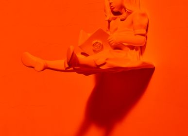 Design objects - RESIN HANGERS color ORANGE - The Girl & the Book - BLOOP