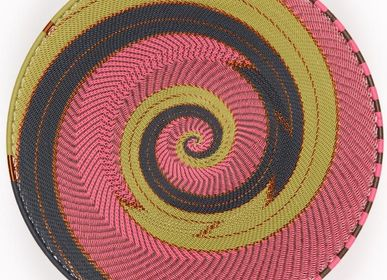 Decorative objects - HAND WOVEN TELEPHONE WIRE OPEN V PLATTERS - MAHATSARA