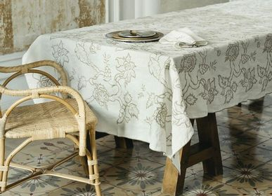Linge d'office - Embroidery Tablecloth - Pure Washed Linen - Paisley Design - LO DE MANUELA