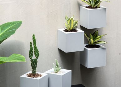 Floral decoration - Pixel Pot : Recycled Plastic Self-Watering Plant Pot for indoor and outdoor garden Office Equipments Container - QUALY DESIGN OFFICIAL