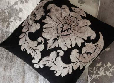 Cushions - VELVET CUSHIONS - BERTOZZI