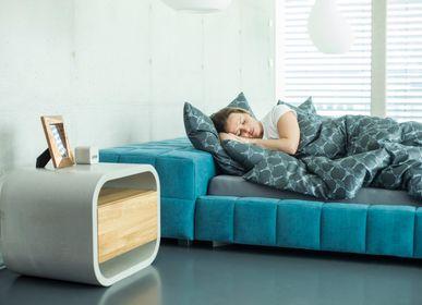 Tables de nuit - OPUS PATEO/SECRETO Petite console en béton équipée d'un habillage en bois avec étagère / porte / tiroir - CO33 EXKLUSIVE BETONMÖBEL