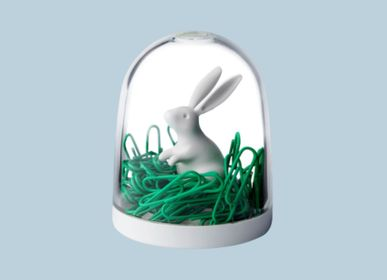 Bureaux d'enfants - Bunny in The Field Cilps Holder : Stationery Everyday Houseware Eco Living Collection 100% recyclable. - QUALY DESIGN OFFICIAL