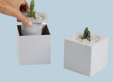 Furniture and storage - Pixel Pot : Recycled Plastic Self-Watering Plant Pot for indoor and outdoor garden Office Equipments Container - QUALY DESIGN OFFICIAL